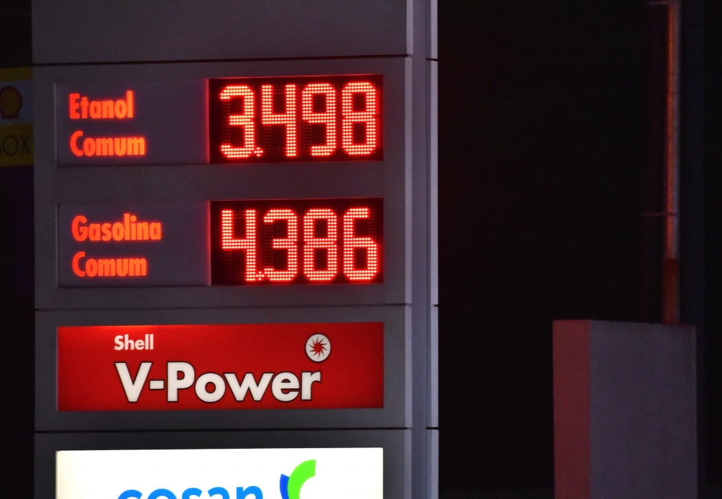 Presidente adia reunião sobre preço de combustíveis. Crédito: Fernando Madeira