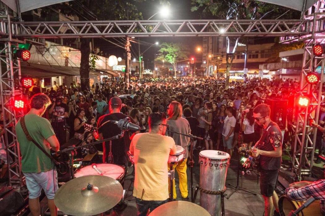 Projeto na Lama, na Rua da Lama, em Vitória. Crédito: Projeto na Lama/Divulgação
