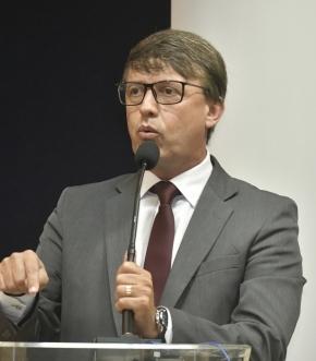 Rodrigo Caldeira (Rede) discursa após ser eleito presidente da Câmara da Serra para o biênio 2019/2020