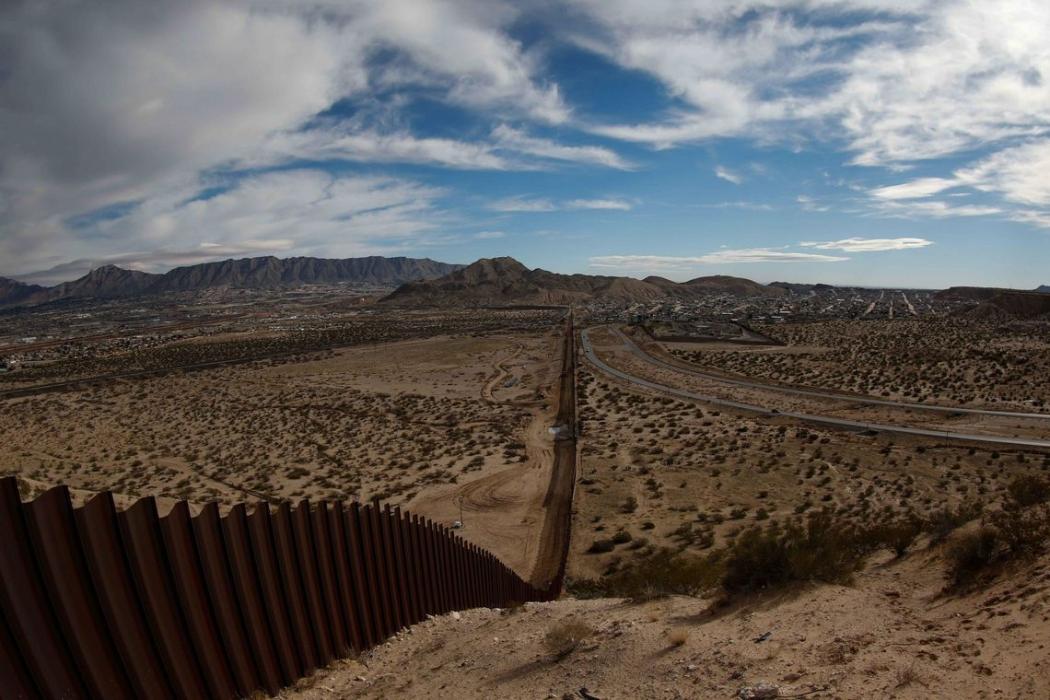 Muro na fronteira entre os Estados Unidos e o México. Crédito: Divulgação/Agência Lusa