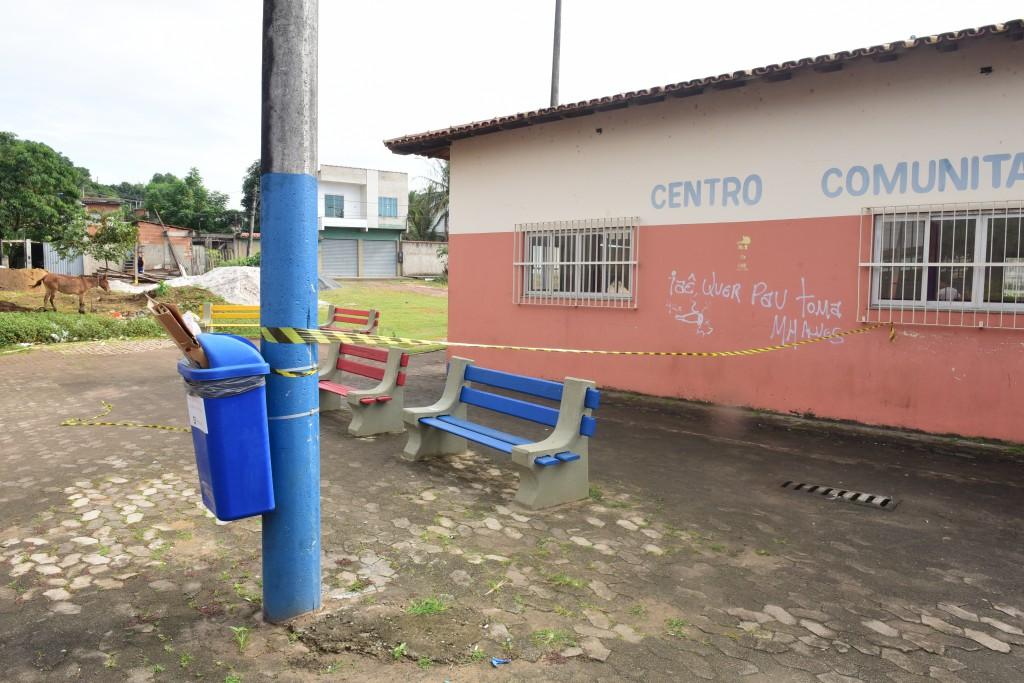Local ainda estava com faixas de isolamento na manhã deste sábado . Crédito: Ricardo Medeiros