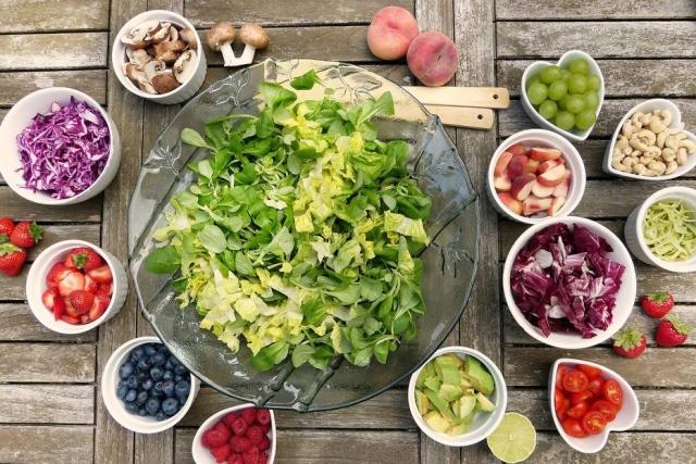 Alimentos e bebidas tiveram queda de preços de 0,12% em julho. Crédito: Pixabay