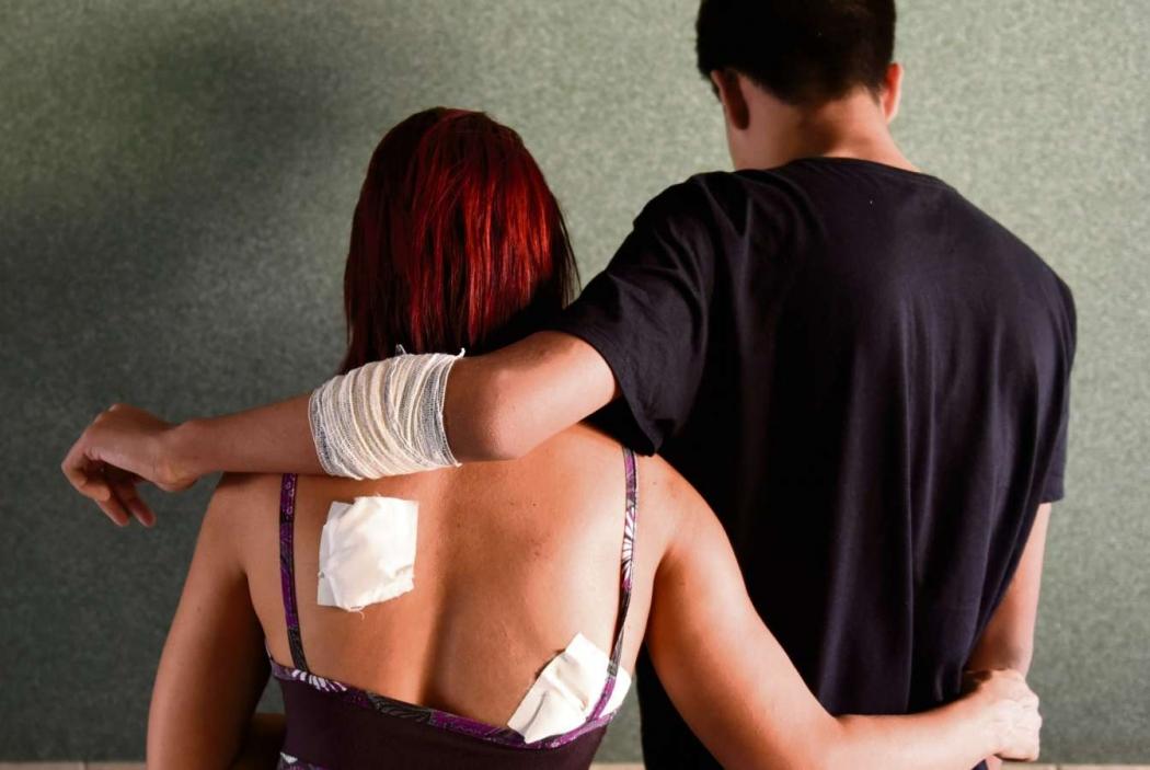 Cabeleireira foi esfaqueada pelo marido durante uma discussão e o filho do casal também ficou ferido após tentar conter o pai. Crédito:              Vitor Jubini