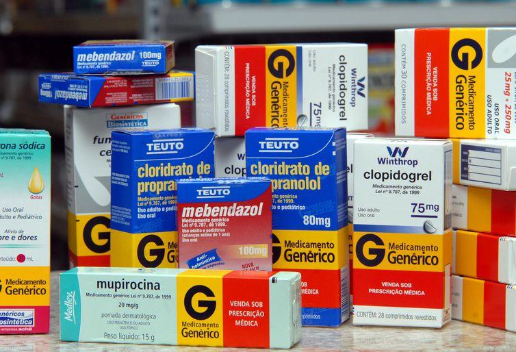 Mais baratos, remédios genéricos agradam a pacientes, mas médicos ainda desconfiam. Crédito: Arquivo/EBC