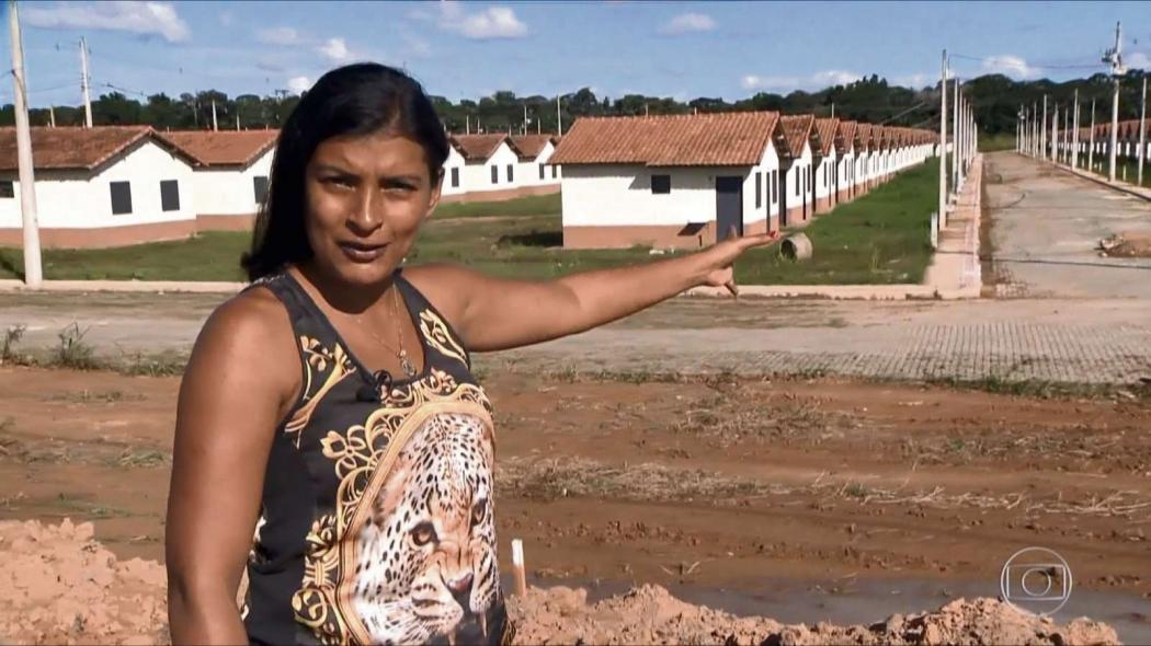 A manicure Keila Nunes aguarda a conclusão da sua casa no Residencial Rio Doce. Crédito: Ari Melo/TV Gazeta