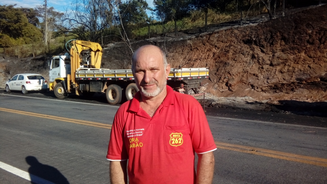 Josemar tem 20 anos de experiência nas estradas e lamenta a perda do companheiro de estrada . Crédito: Geizy Gomes