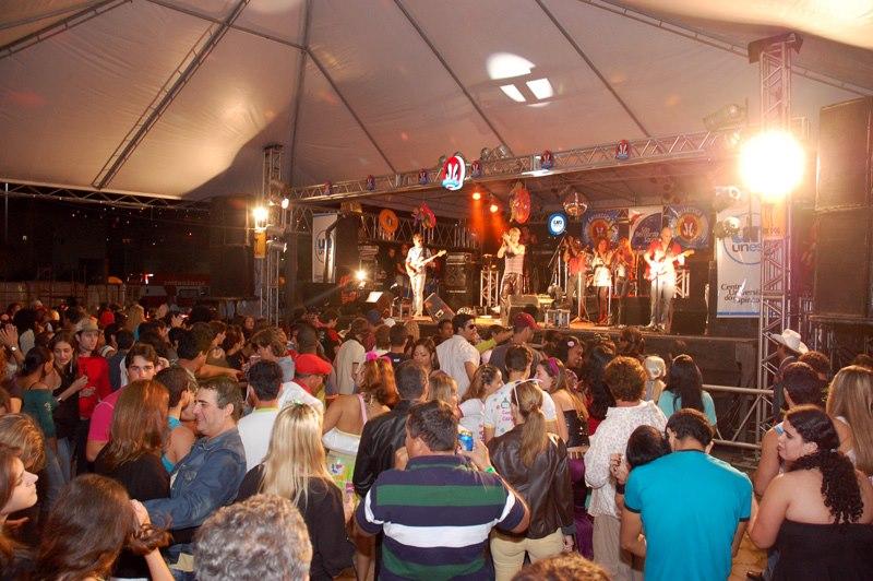 Edição de 2004 da Festa do Cafona. Crédito: Arquivo Gazeta Online