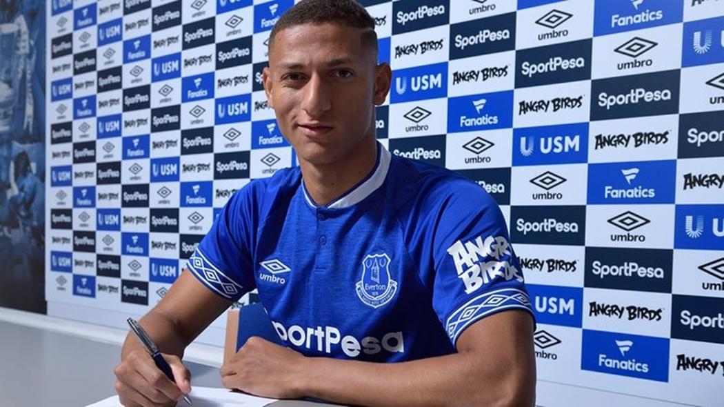 Richarlison assinou por cinco anos com o inglês Everton. Crédito: Divulgação/Everton