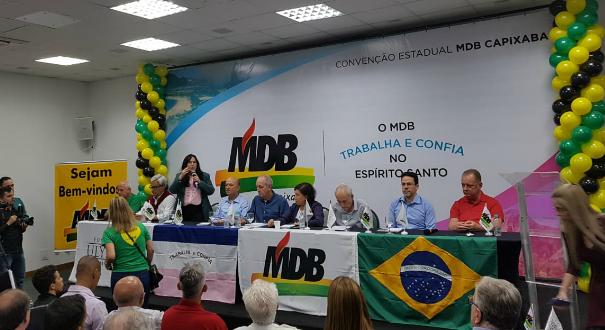 Rose de Freitas discursando na manhã deste sábado (4). Crédito: Patrícia Scalzer