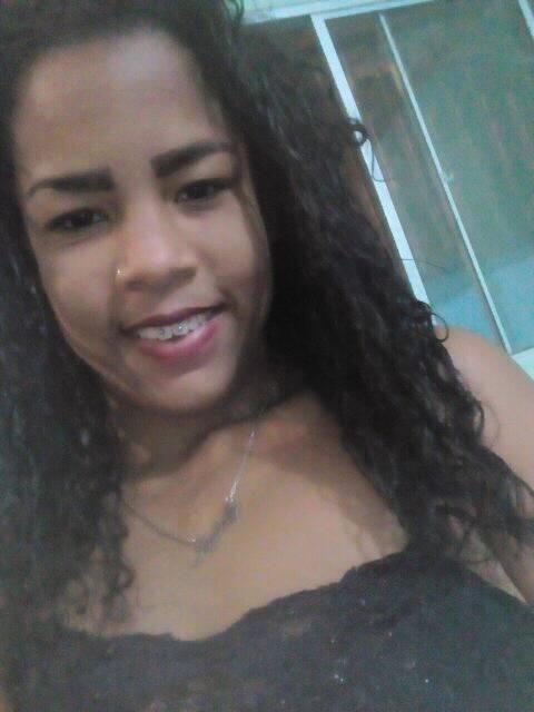 Ellen da Silva Agostinho tinha 15 anos e estava no banco de trás do carro. Crédito: Reprodução/Facebook