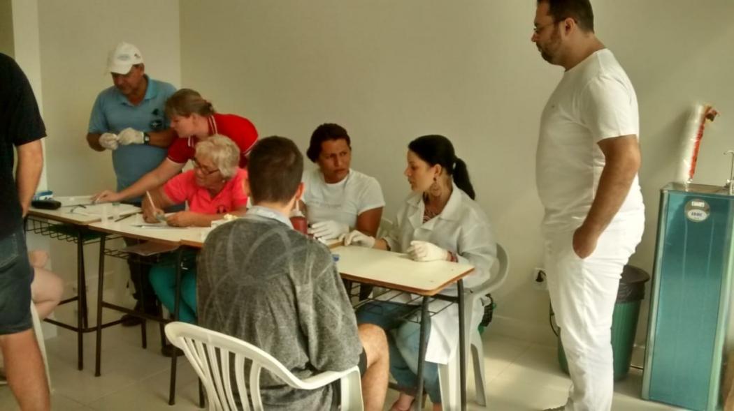 Laboratório de testes rápidos foi instalado em uma unidade de saúde não inaugurada em Vial Pavão. O local vai funcionar 24 horas para atender a população. . Crédito: TV Gazeta Noroeste