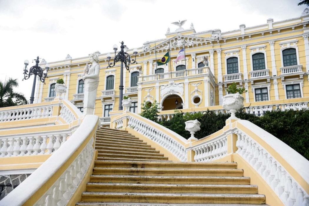 Palácio Anchieta, sede do governo do Estado: convênios serão reavaliados pela gestão estadual. Crédito: Fernando Madeira