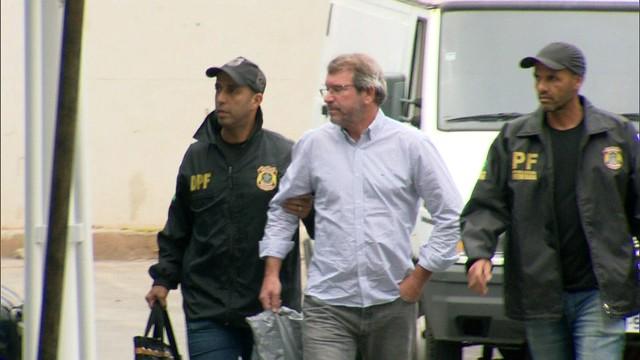 Eduardo Plass chega à sede da PF, na Zona Portuária . Crédito: Reprodução | TV Gazeta