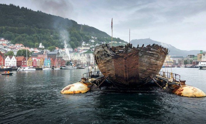 O Maud chegou nesta segunda-feira a Bergen, na Noruega   . Crédito: Maud Returns Home
