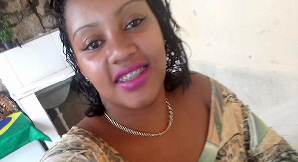 Pâmela Soares, grávida que morreu baleada dentro de casa, em Gurigica, Vitória. Crédito: Facebook