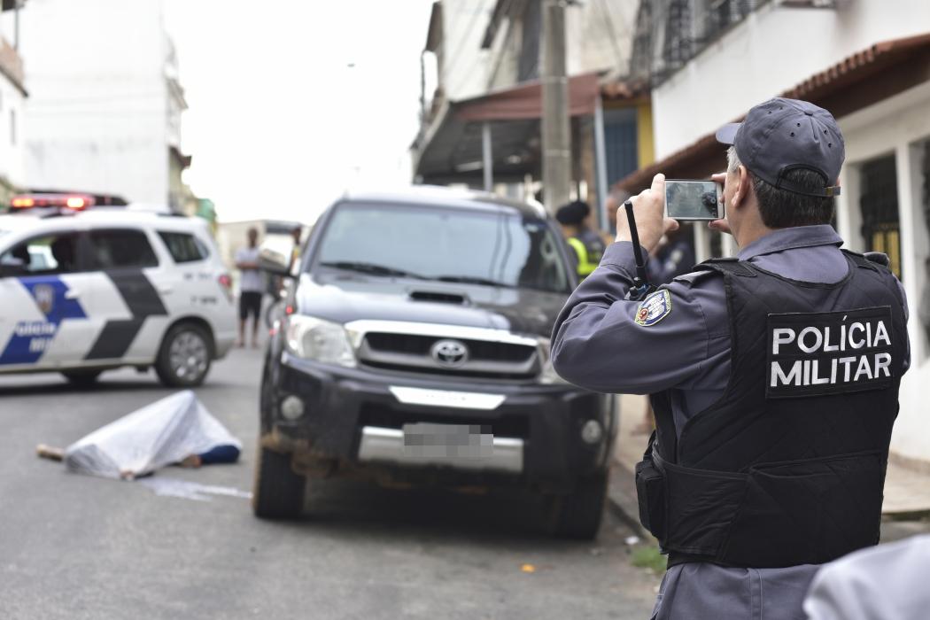 O cabo reagiu ao assalto e atirou duas vezes contra um dos bandidos, que morreu no local. Crédito: Marcelo Prest