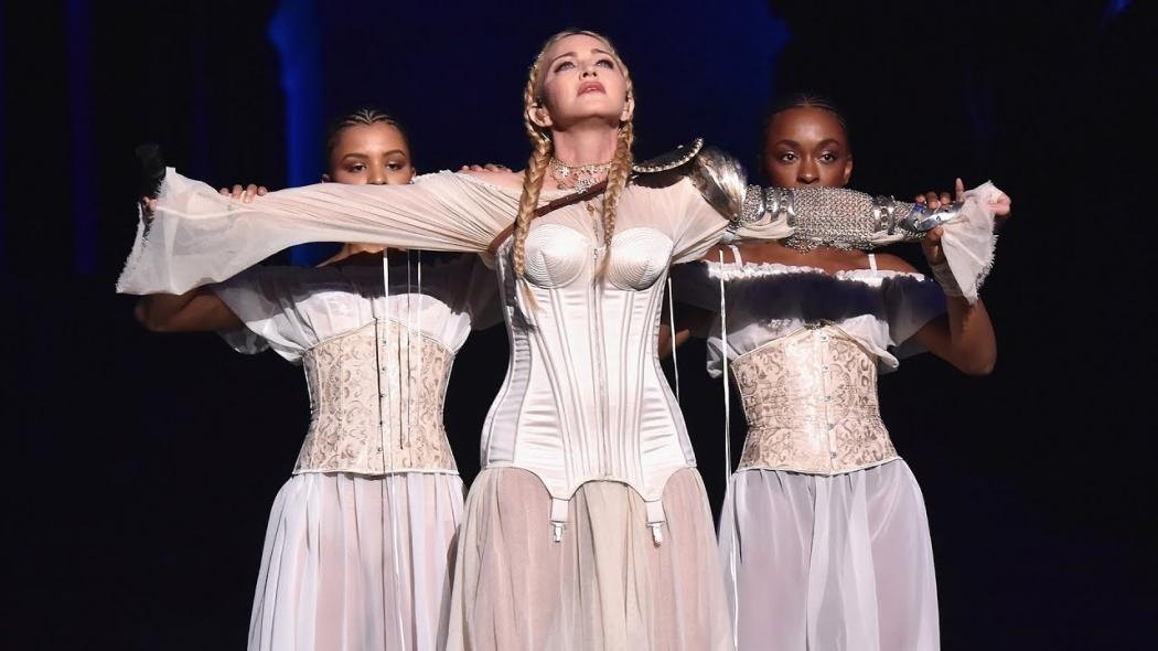 Madonna em apresentação no MET GALA 2018. Crédito: Reprodução/Youtube