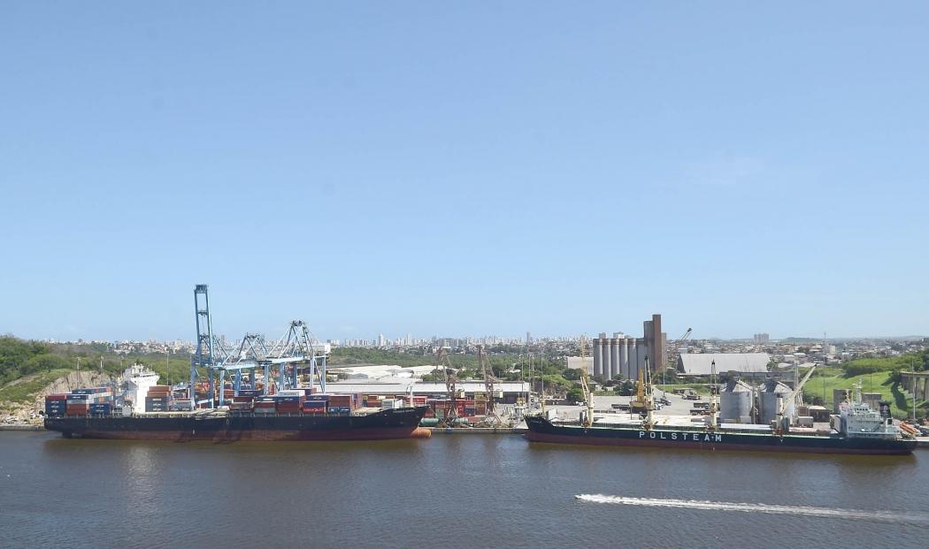 Porto de Vitória - Terminal Portuário de Vila Velha. Crédito: Guilherme Ferrari/Arquivo
