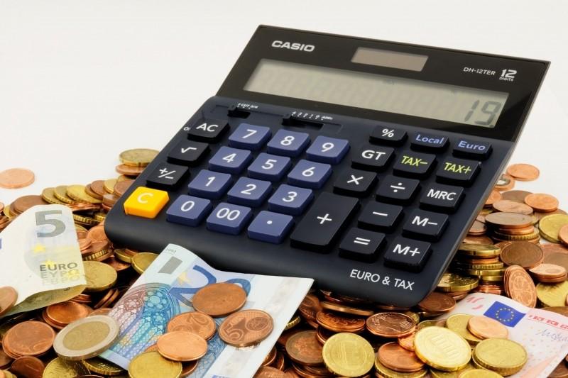 Número dos que guardaram dinheiro para cobrir gastos do início do ano aumentou em 2018. Crédito: VisualHunt