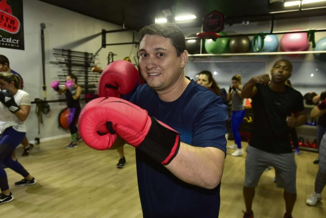 O administrador Rafael Fioretti faz aulas de boxe há quatro meses. Crédito: Marcelo Prest