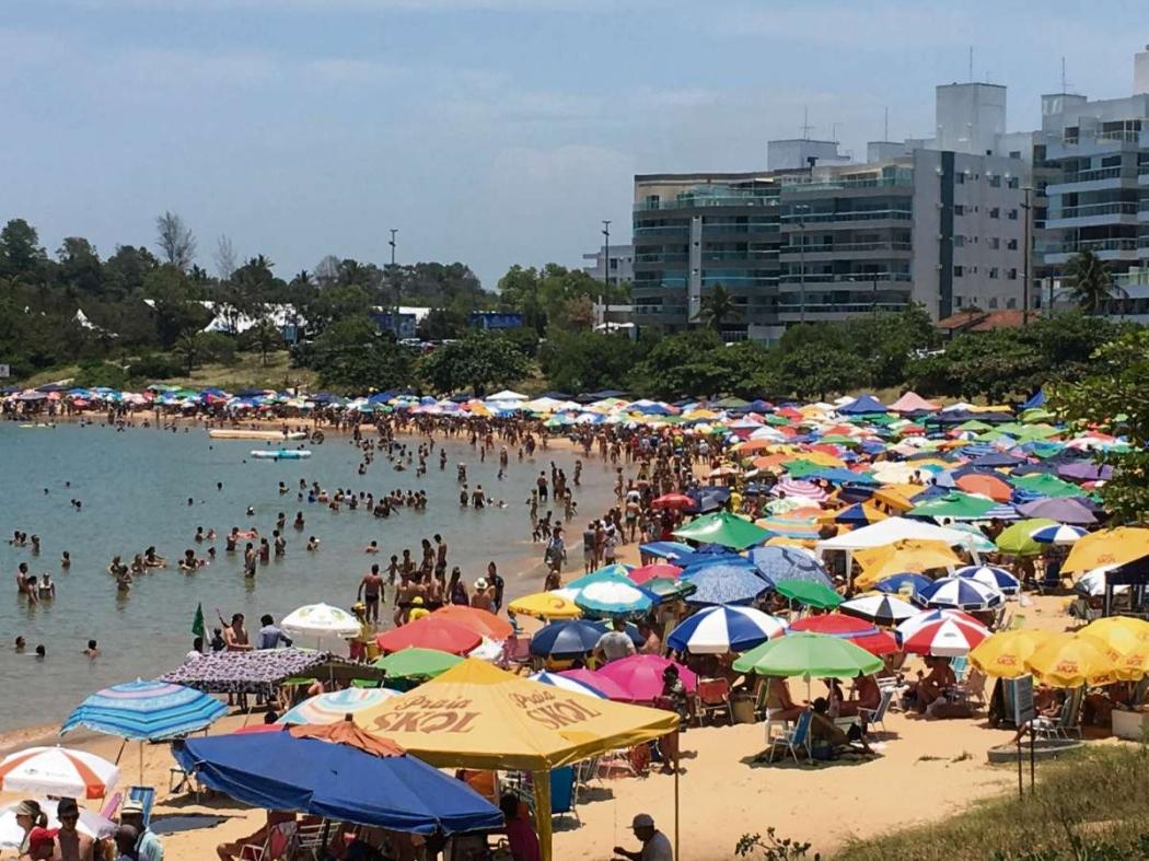 """""""Guarapari"""": """"Praia da bacutia é um dos points mais badalados da cidade durante todas as estações do ano"""". Crédito: Divulgação"""