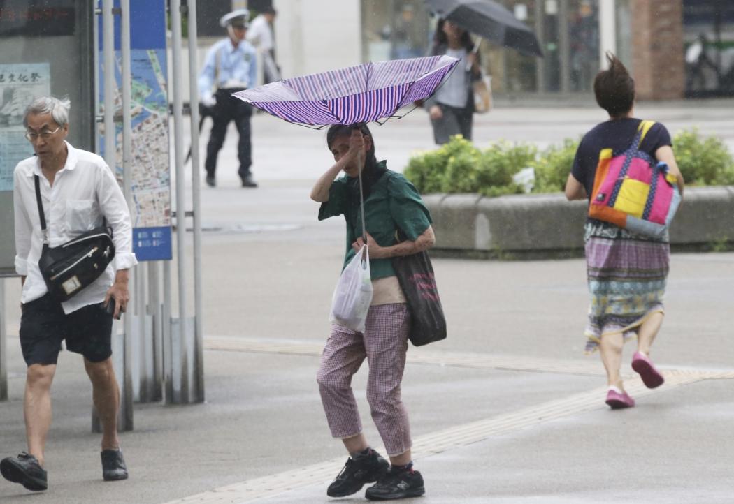 O tufão Jebi é o 20º da temporada na Ásia e afetou o Japão com tempestades e rajadas de ventos que alcançaram 220 km/h em alguns pontos. Crédito: Koji Sasahara