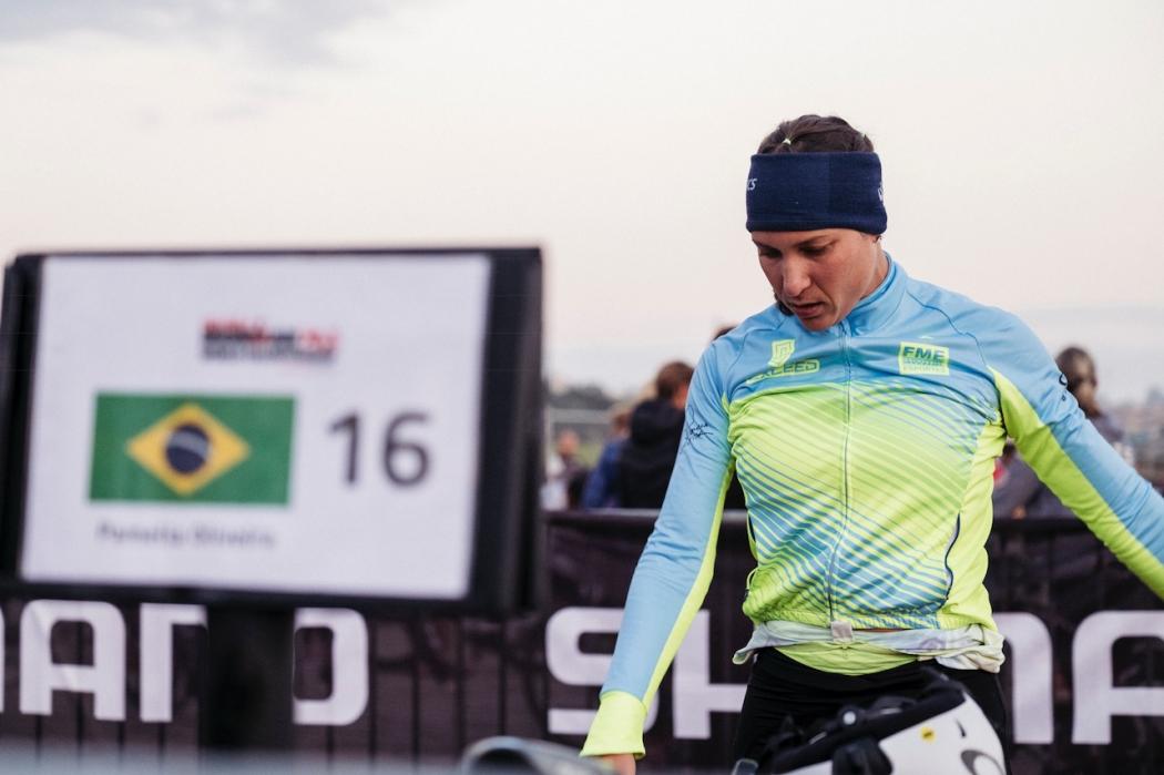Triatleta Pâmella Oliveira conquistou marca histórica. Crédito: Divulgação