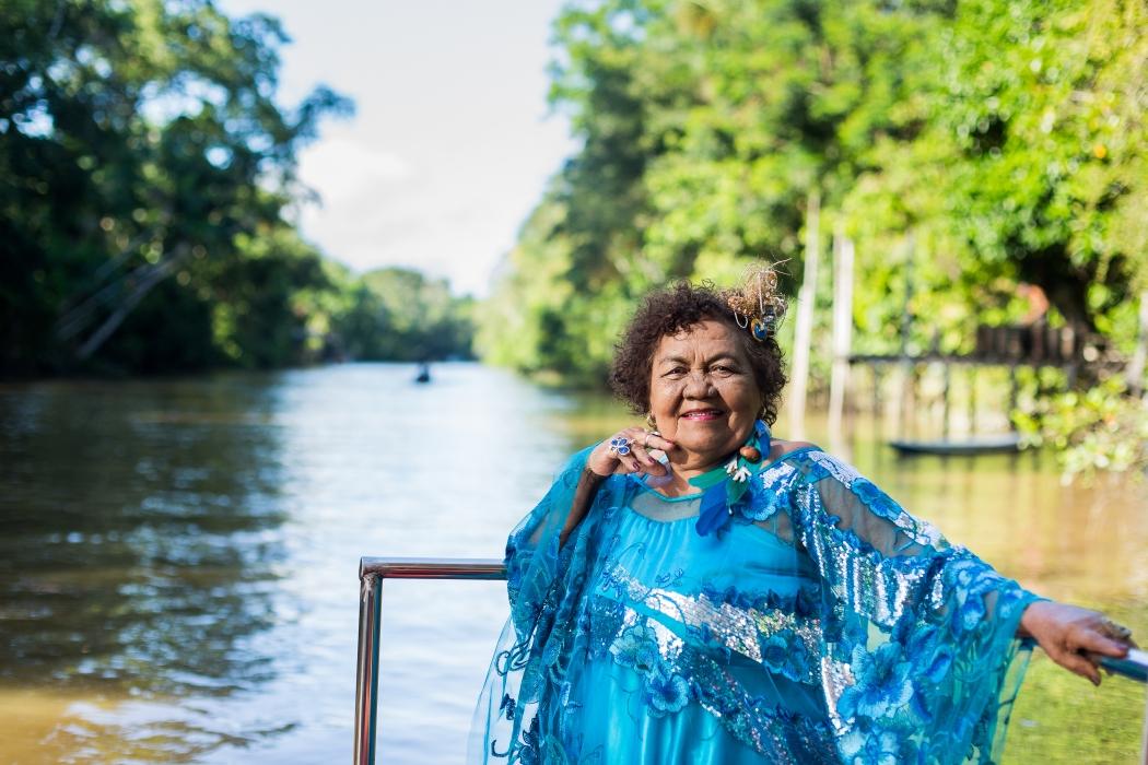 Aos 79 anos, Dona Onete colhe os frutos do seu sucesso tardio. Crédito: Laís Texeira/Divulgação