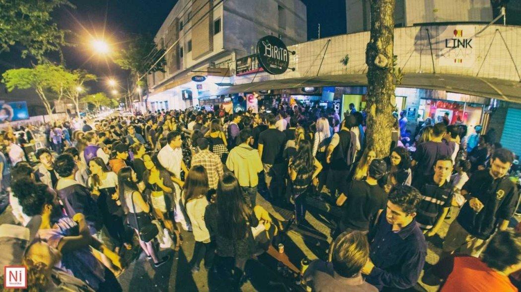 Rua da Lama em mais uma noite de festa. Crédito: Gazeta Online