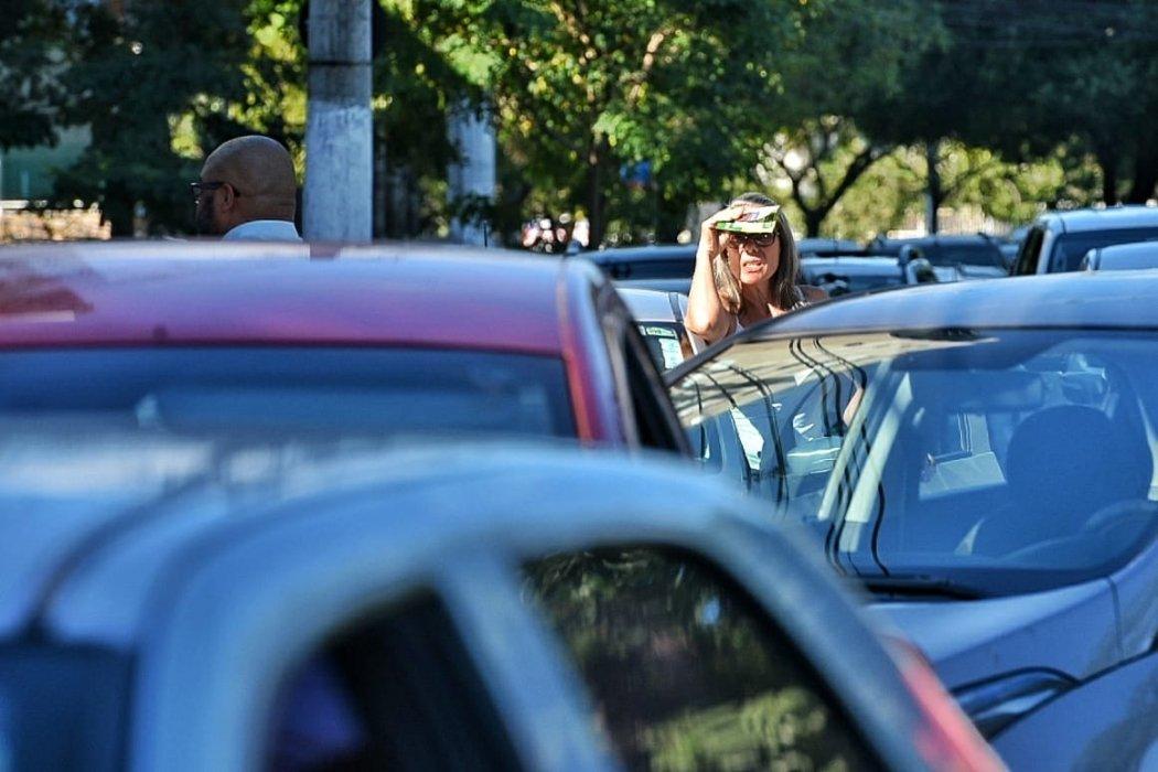 Trânsito na Terceira Ponte fez muitos motoristas ficarem ser ter como sair do lugar . Crédito: Fernando Madeira