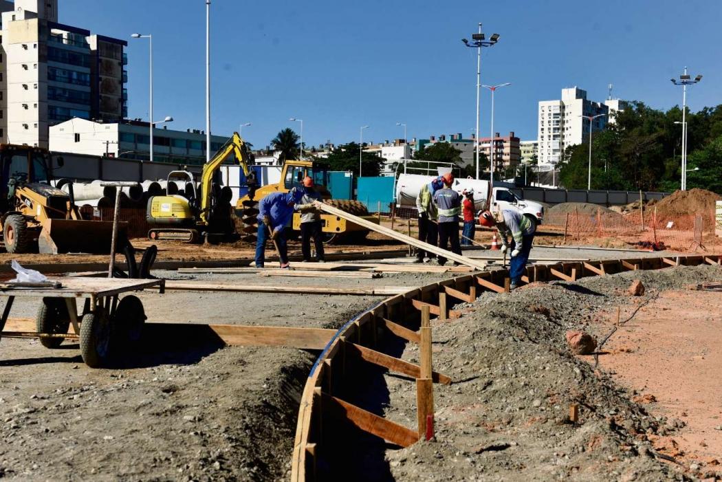 Canteiro de obras do futuro Parque Atlântica, em Camburi, Vitória. Crédito: Fernando Madeira | GZ