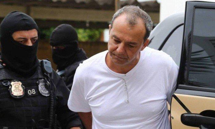 O ex-governador Sergio Cabral durante sua transferência para presídio em Curitiba. Crédito: Geraldo Bubniak / Agência O Globo