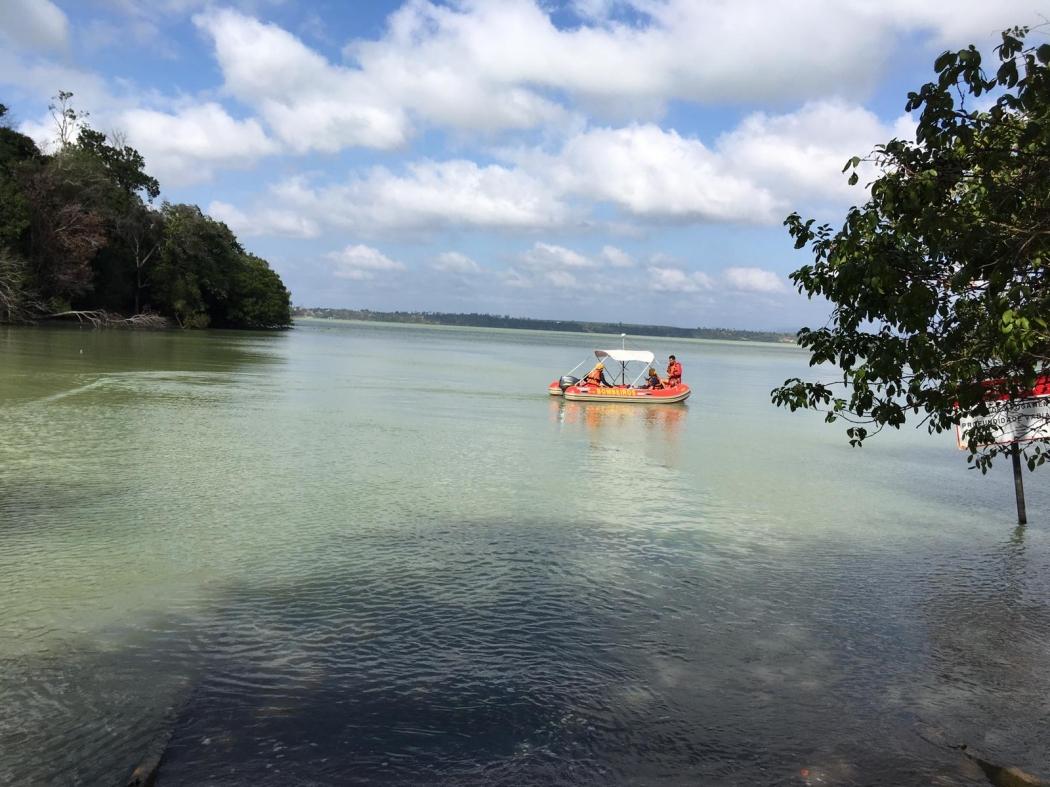 Buscas realizadas na Lagoa Juparanã. Crédito: Loreta Fagionato
