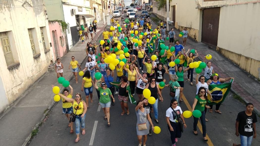 Mulheres fazem manifestação a favor de Jair Bolsonaro. Crédito: Internauta