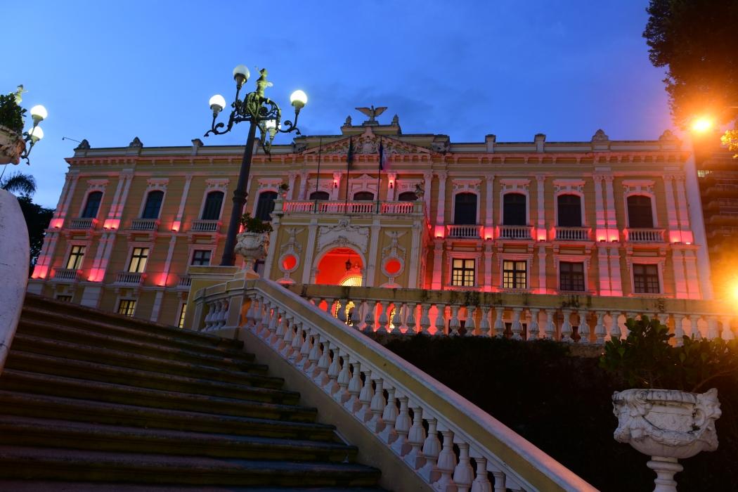 Palácio Anchieta, sede do governo do ES, iluminado em homenagem ao Outubro Rosa. Crédito: Ricardo Medeiros