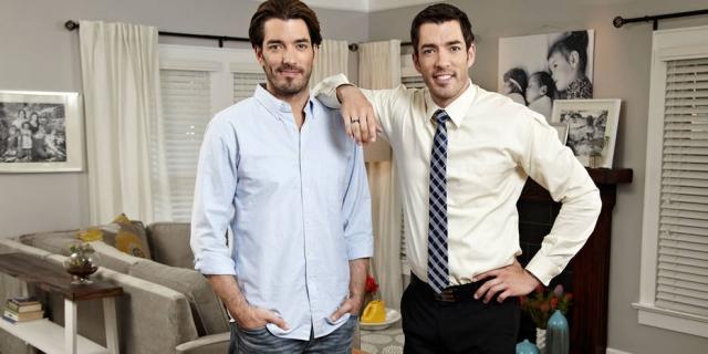 Os irmãos Jonathan e Drew Scott, apresentadores do 'Discovery Home ENTITY_amp_ENTITYHealth' . Crédito: Reprodução/Discovery Home ENTITY_amp_ENTITYHealth