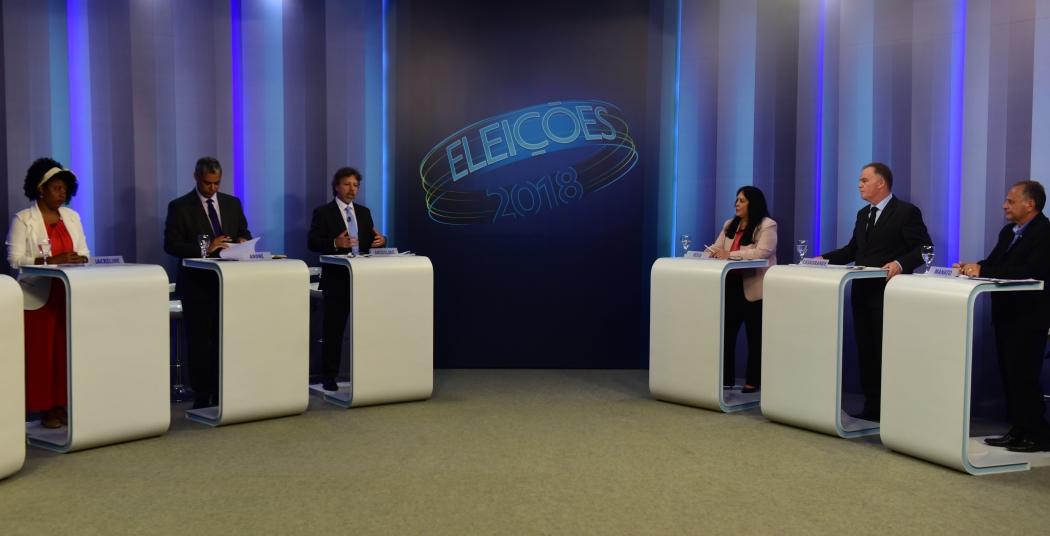 Candidatos ao governo em debate exibido na TV Gazeta. Crédito: Ricardo Medeiros