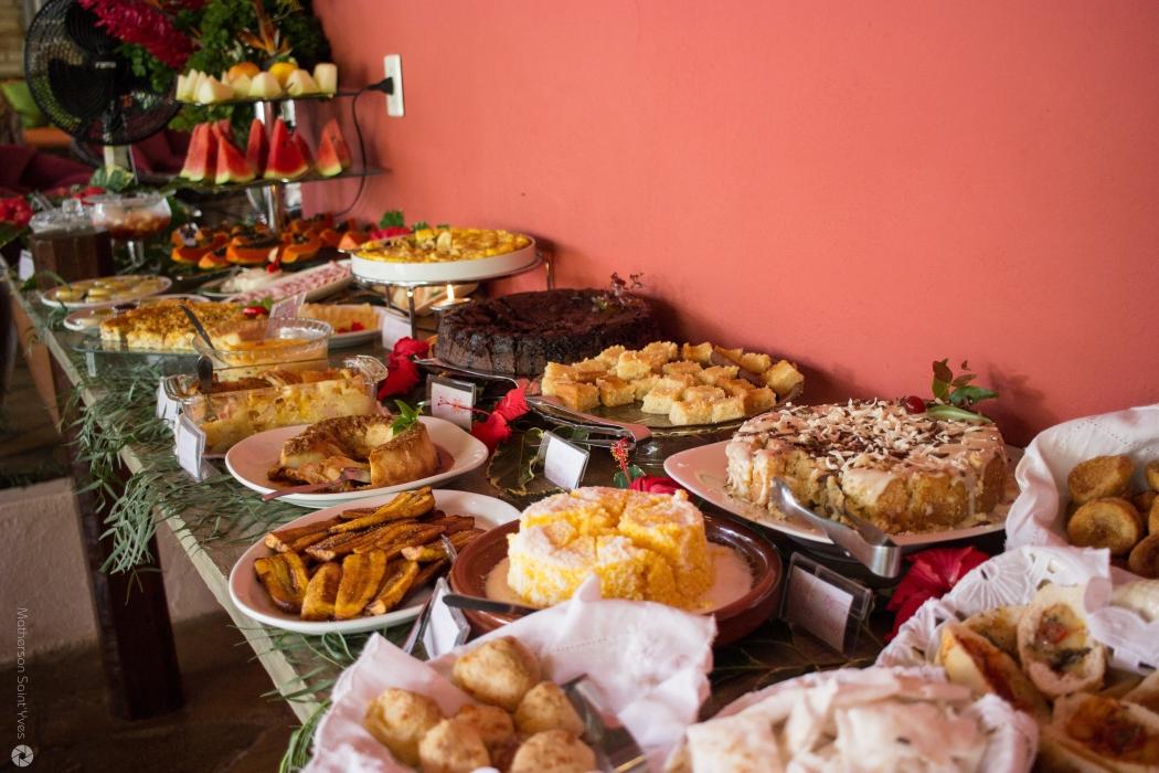 Café da manhã cheio de guloseimas. Crédito: Pousada Casa de Maria