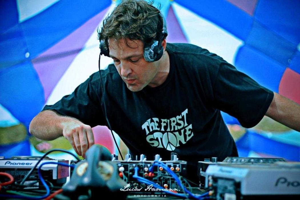 Juarez Petrillo, o DJ Swarup. Crédito: Juarez Petrillo/Divulgação