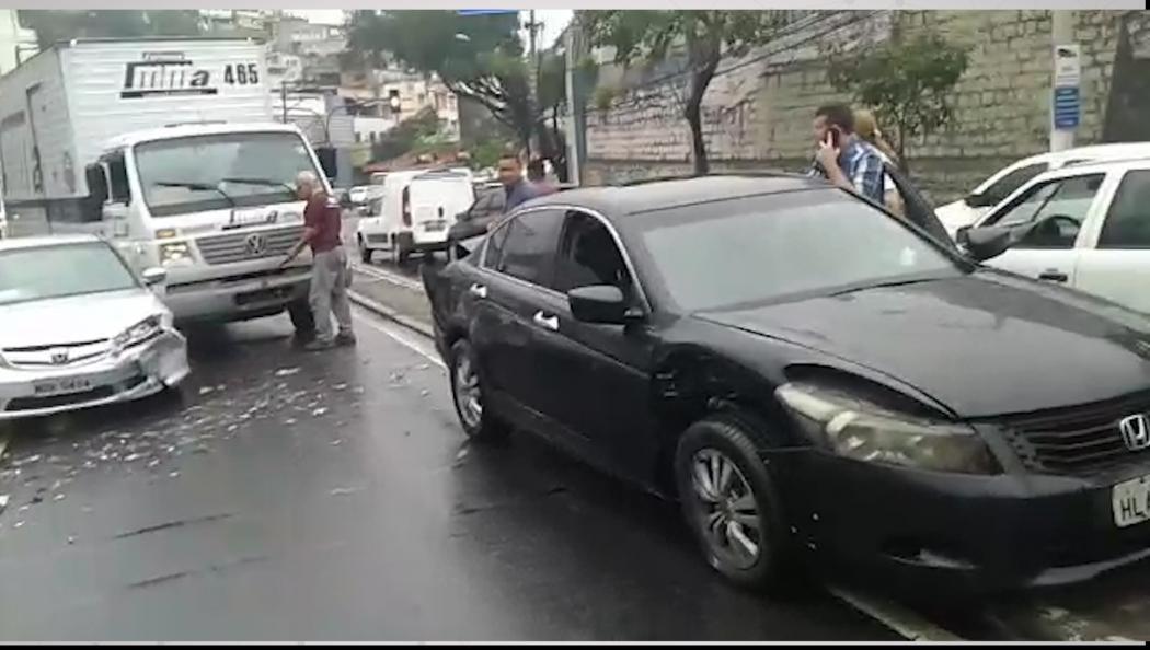 Acidente na curva do Saldanha, em Vitória. Crédito: Reprodução | WhatsApp