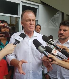 Renato Casagrande na coletiva de imprensa