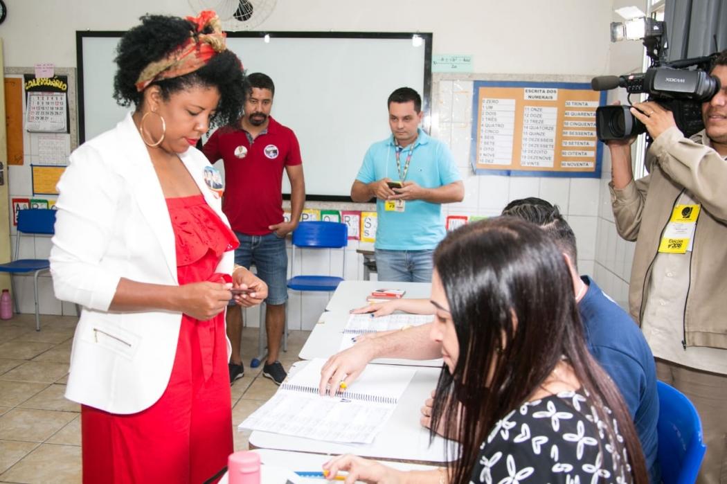 Jackeline Rocha do (PT) votou no Colégio Maria da Luz Gotti, em Colatina