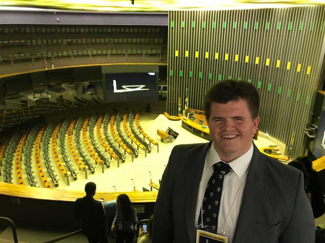 Felipe Rigoni, deputado federal eleito pelo Espírito Santo, durante visita ao Congresso. Crédito: Divulgação/assessoria