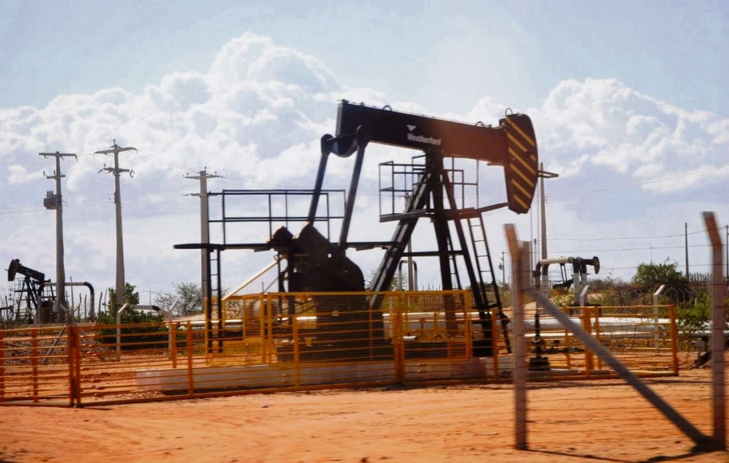 Produção da petróleo em terra. Crédito: Divulgação