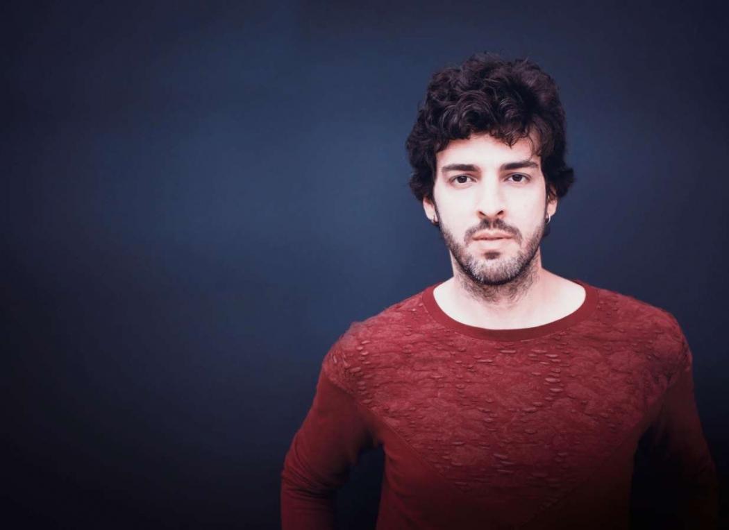 Depois de dois anos, Márcio retorna a Vitória com seu terceiro álbum. Crédito: Carol Olivieri/Divulgação
