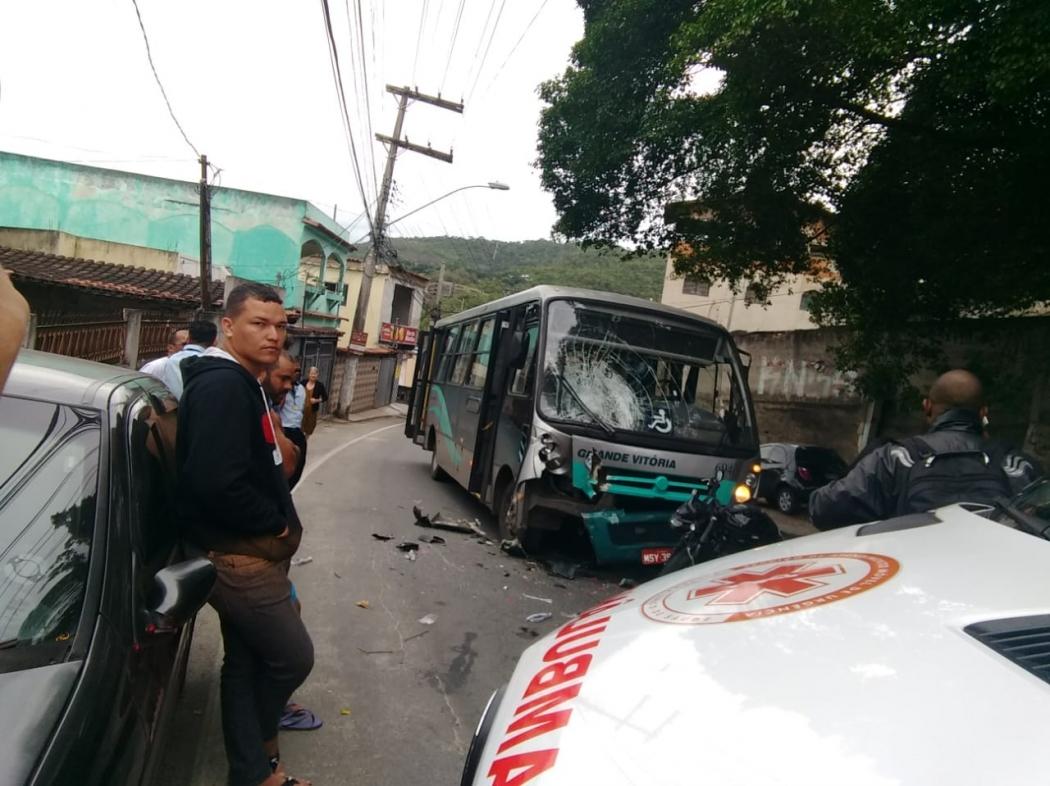 Acidente em Inhanguetá, Vitória. Crédito: Luiz Fernando da Silva