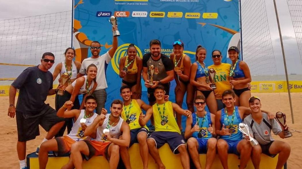 Os grande campeões da etapa capixaba. Crédito: CBV/Divulgação