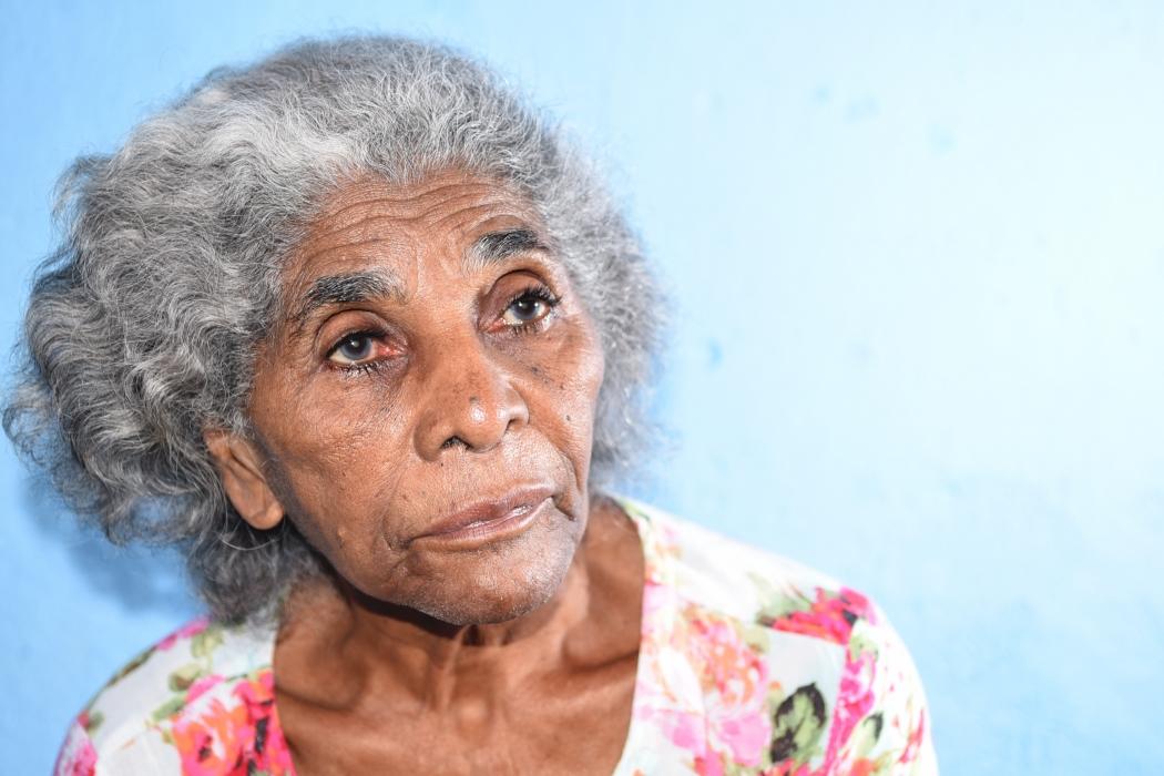 Pedrina, 81, teve outro problema de saúde e  voltou para a fila de espera da cirurgia nos olhos. Crédito: Carlos Alberto Silva