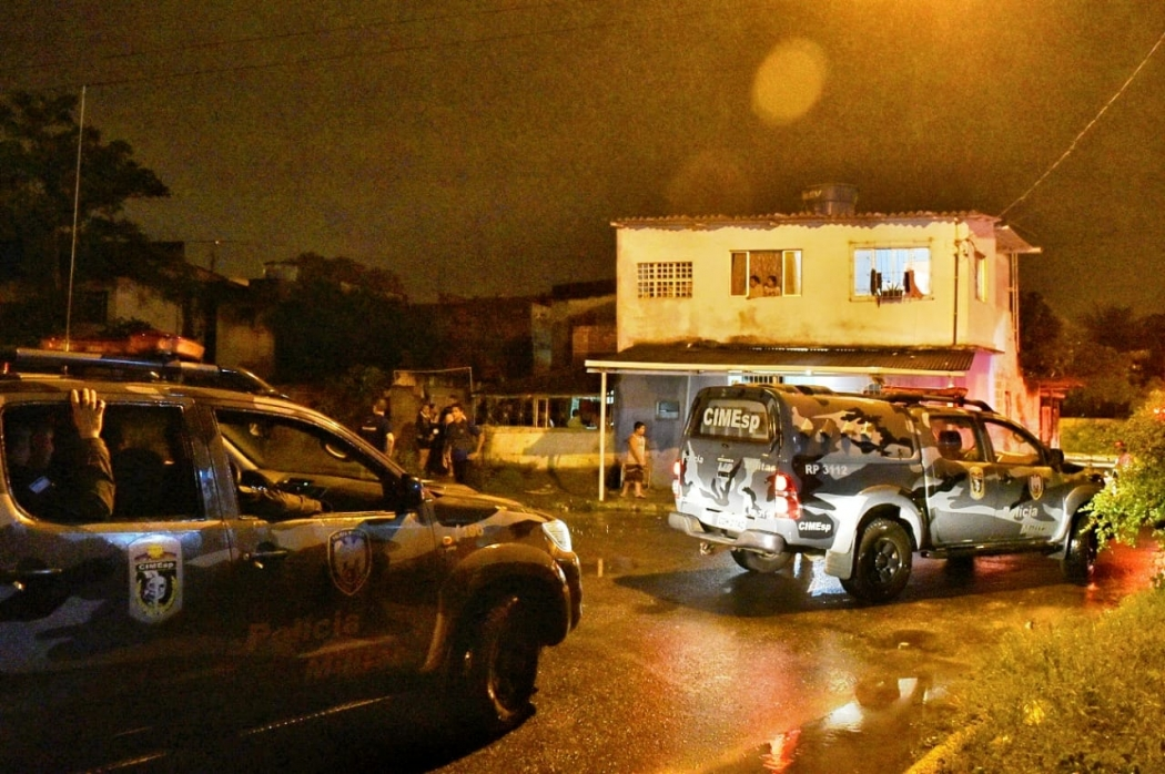 Mãe fez os dois filhos reféns em Vila Velha. Crédito: Fernando Madeira