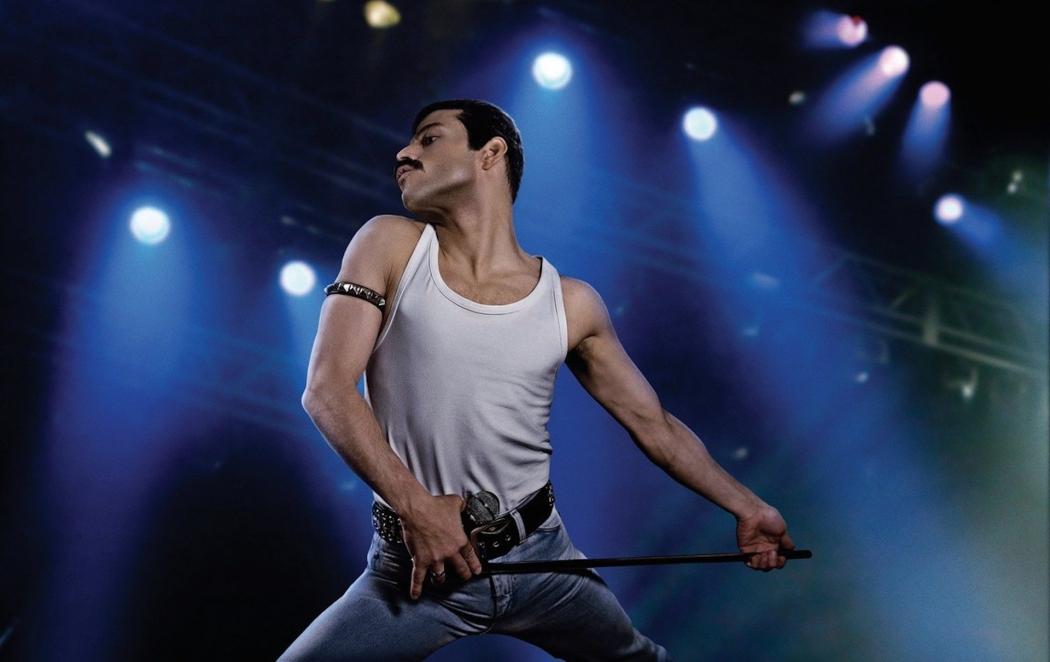 """Rami Malek como Freddie Mercury em """"Bohemian Rhapsody"""". Crédito: Fox Films/Divulgação"""